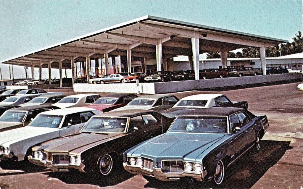 Collins Oldsmobile Indianapolis In 1971 Oldsmobile Chevrolet Dealership Used Car Lots
