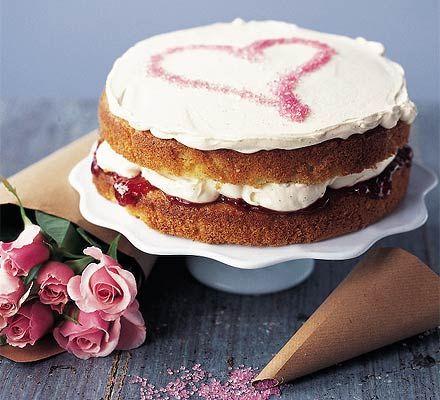 En romantiske kage til en romantisk dag #karenvolf #lagkagebunde #dessert #valentinesday