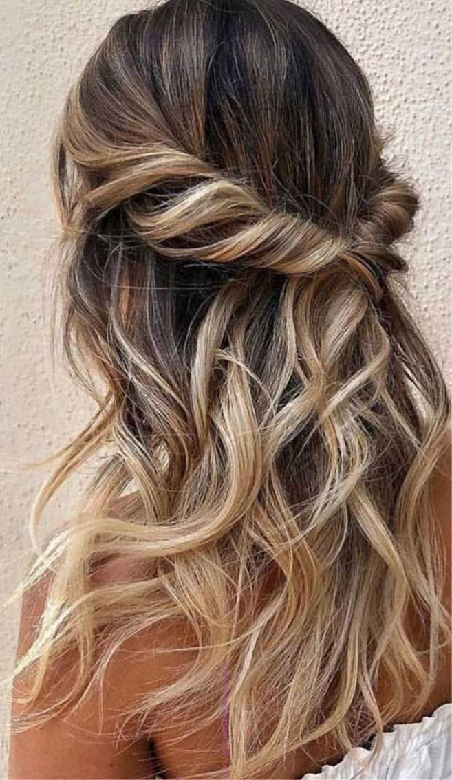 43 Gorgeous Half Up Half Down Hairstyles That Perfect For A Rustic Wedding - Fabmood | Wedding Color -   12 homecoming hairstyles Updo ideas