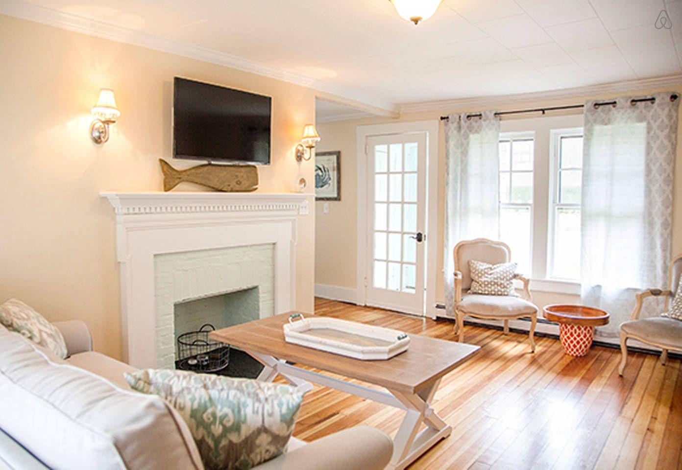 two bedroom beach cottage 2800 vacation rental in newport rhode rh pinterest com