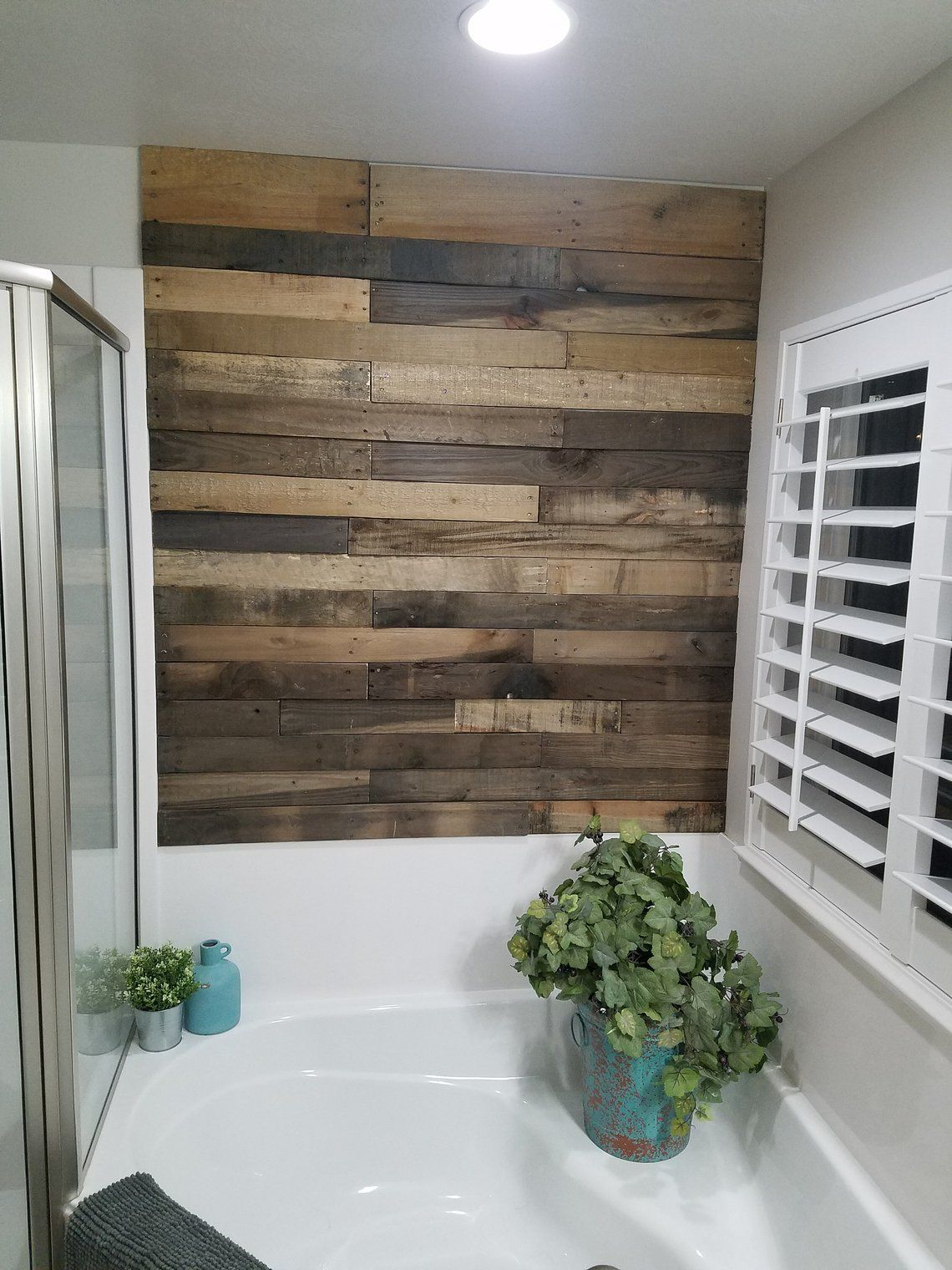 Pre-Stained Pallet Wood Accent Walls - Utah in 2020 | Wood ...