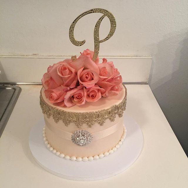 An Elegant Birthday Cake For Patricia W Mellcakes Classy Chic