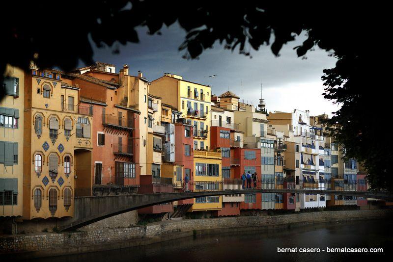 Onyar river in Girona (in a natural frame) | by bernat...