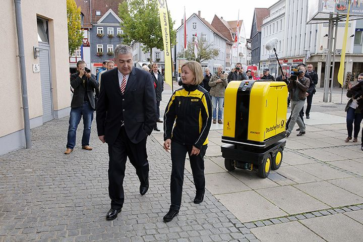 Deutsche Post's Newest Mailman is a Robot Spicytec in