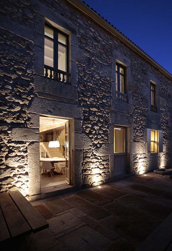 Photo of Bella ristrutturazione di una casa in pietra in Spagna di Dom Arquitectura
