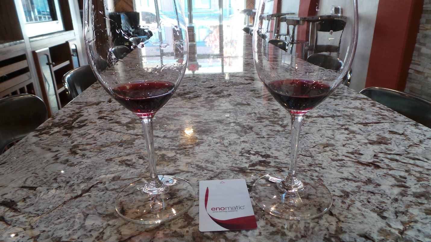 Whether you are winding down after a day of work, looking to expand your wine tasting experience, or ready to relax after a day of shopping, Dolce Vita Chocolate & Wine Tasting Room is the place to do it. #GoNative #spon - by Kelly of Kelly's Thoughts on Things who stayed at Hotel Florence