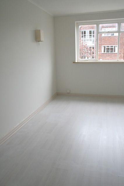 Paint Your Laminate Flooring Credit Crunch Style Painting Laminate Floors White Laminate Flooring Laminate Flooring Diy