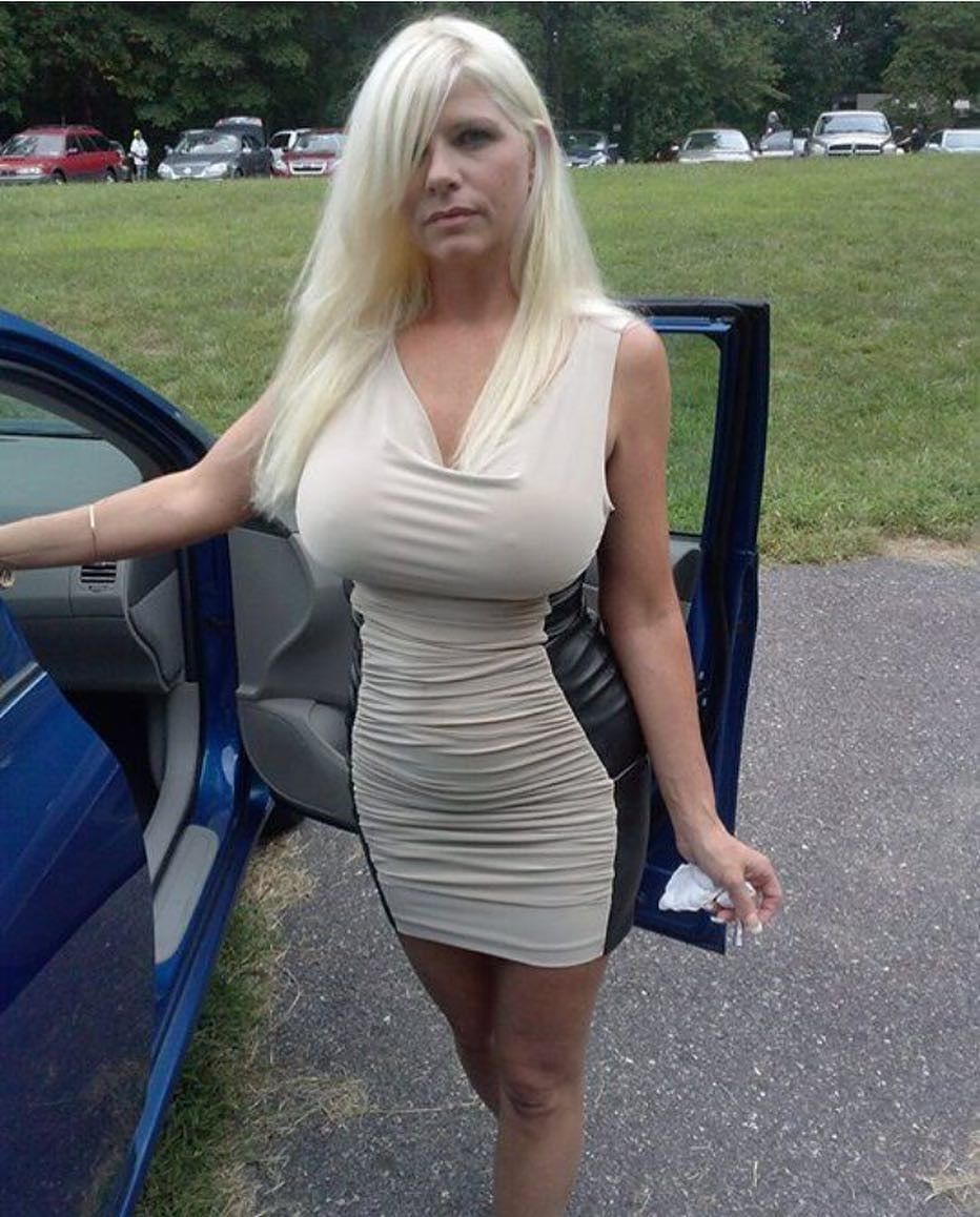 Sexy milf in tight dress