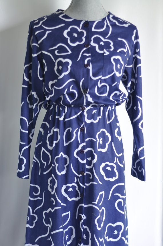 Vintage 60's Summer Dress Ladies Secretary Style A line dress Novelty floral print on Etsy, $16.00 #vintage #dress #summer #vintagestyle #lbd #littlebluedress