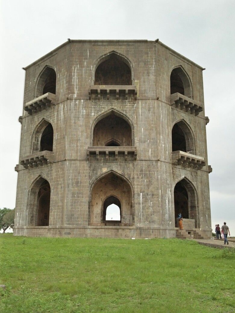 Chandbibi ka Mahal (Palace)