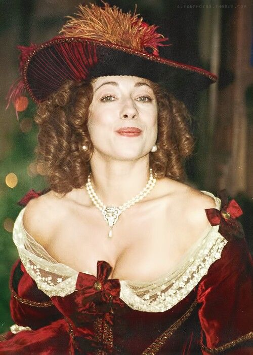 characterization of moll flanders Moll flanders, an english adventuress (known also as mistress betty, may flanders, and mrs flanders), one of the most engaging female rogues in all literature she relates her entire life story.