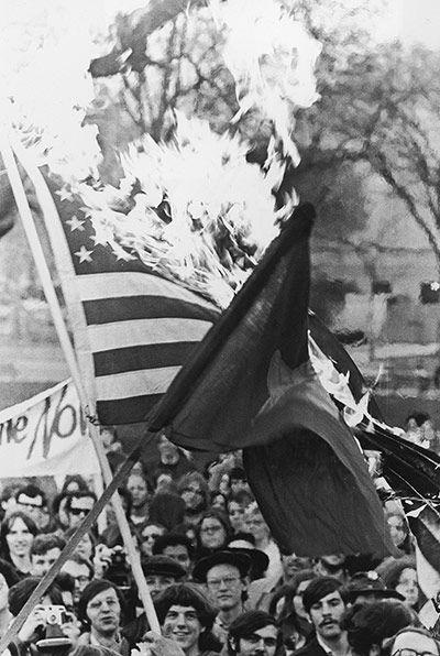 The Rest Is Noise The 60s In Pictures Vietnam War Vietnam Anti War