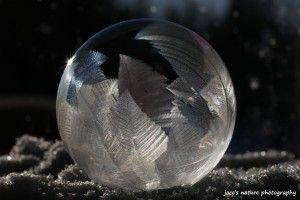 Unprocessed version of a frozen bubble by Jocelyne Dupuis.
