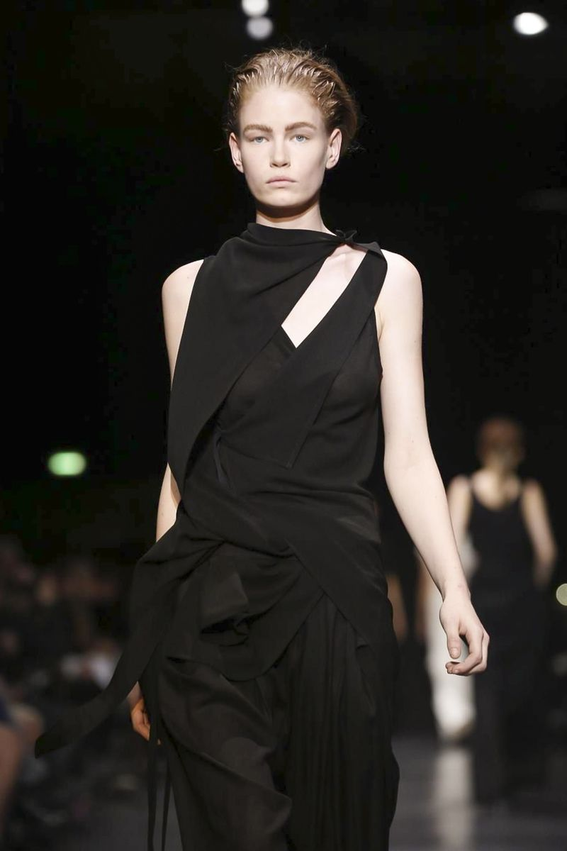 Ann Demeulemeester Ready To Wear Collection Fall Winter 2014 Paris