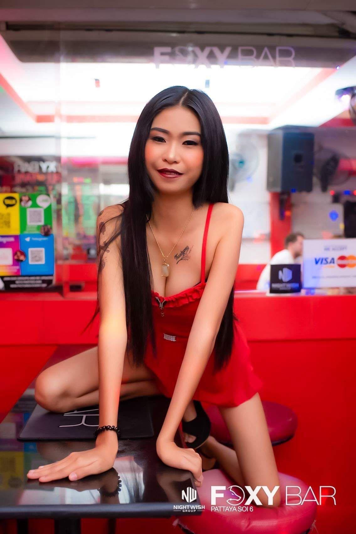 Foxy bar Soi 6   Pattaya, Pub, Foxy