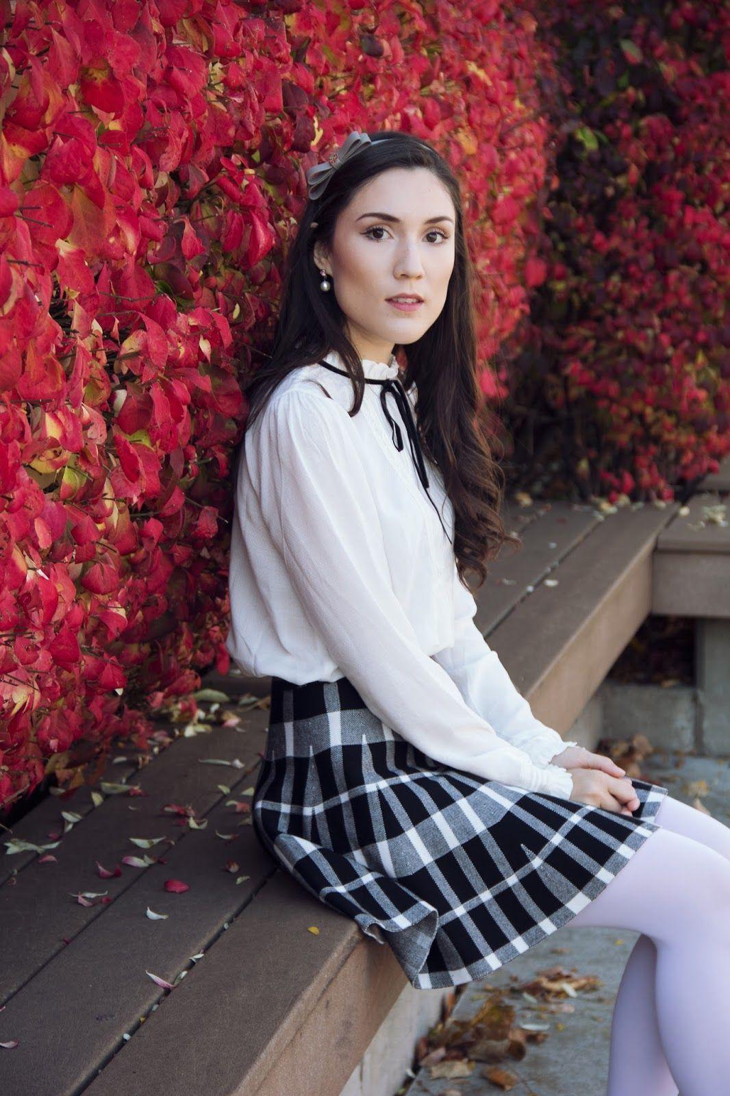 bc69e32695d Toronto Fashion Blogger | white tights in 2019 | White tights ...