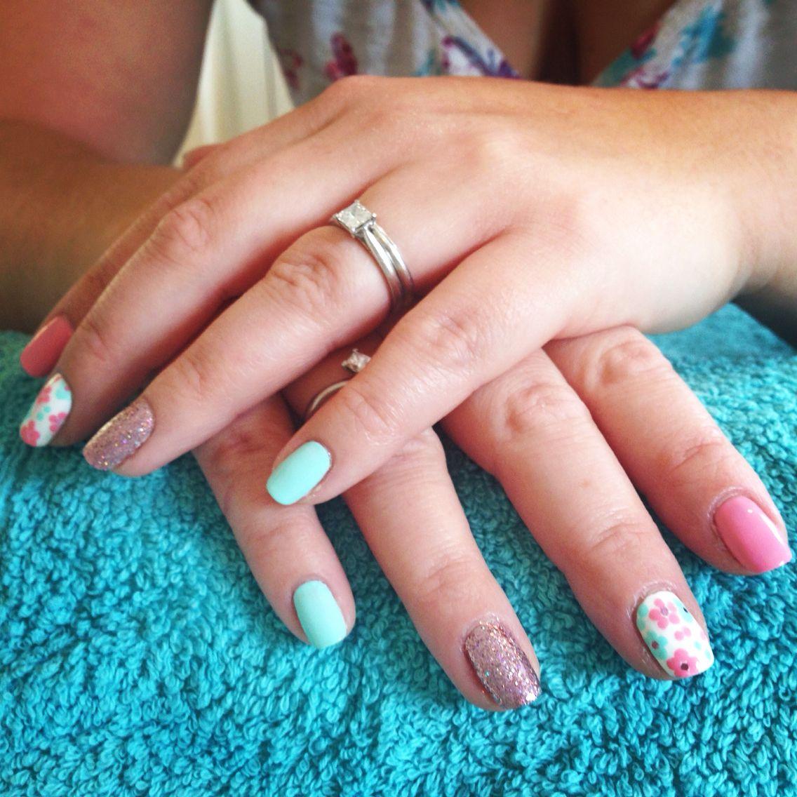 Pastel nail polish with flower nail art and glitter jade beauty pastel nail polish with flower nail art and glitter izmirmasajfo