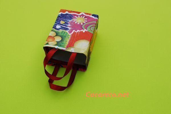 caixa de achocolatado reciclada.