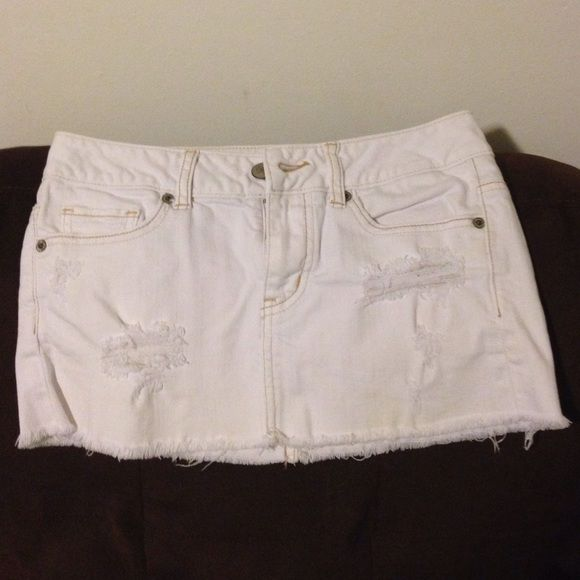 White denim skirt American Eagle denim skirt American Eagle Outfitters Skirts Mini