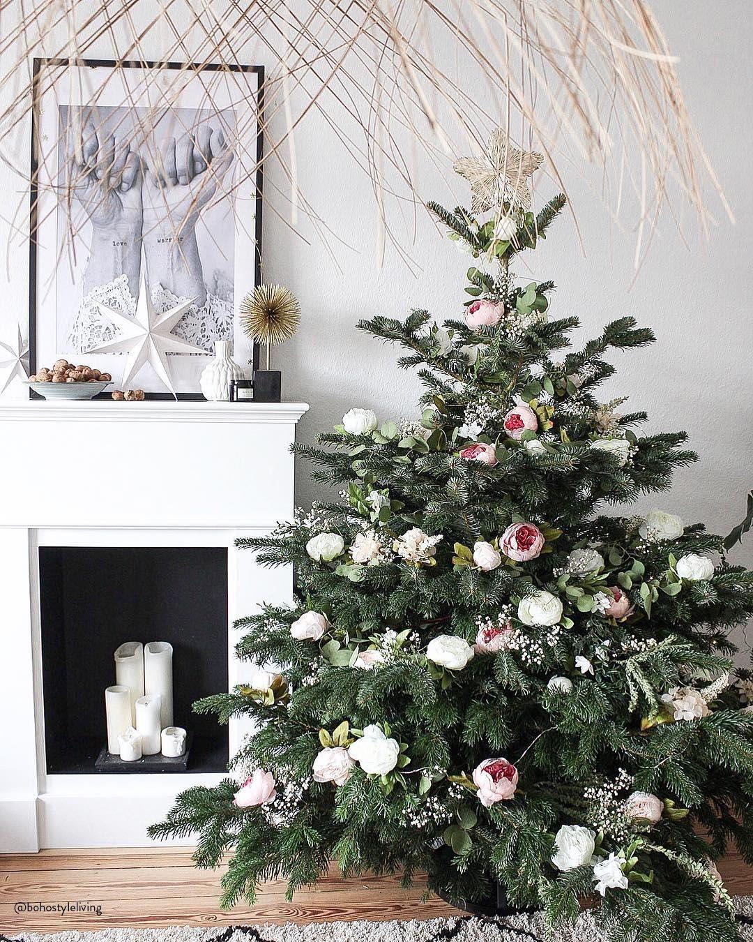 Oh Tannenbaum Oh Tannenbaum Nicht Nur Die Christbaumkugeln Hangen Als Christbaumschmuck Und Weihnachtsdeko Am Weihnachtsbaum Es Gibt Zahl Flowers Chris