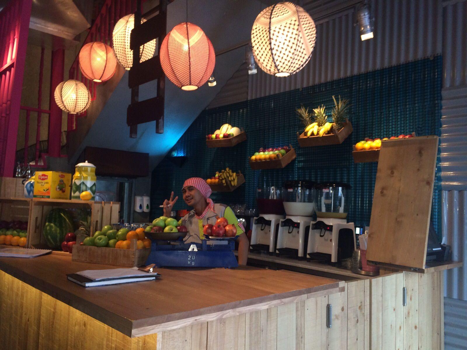 zaroob restaurant is inspiredtraditional street food vendor