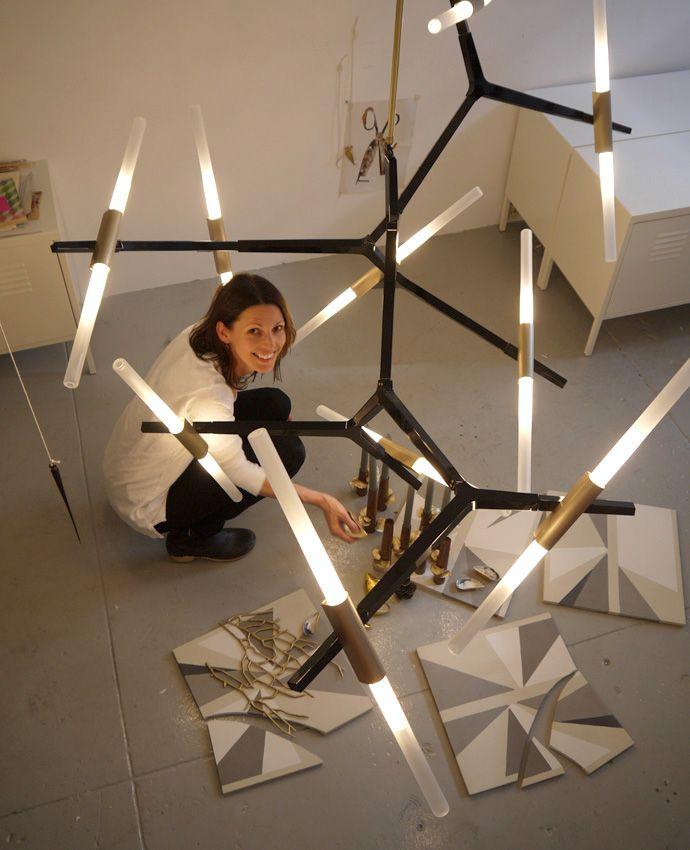 As luminárias da designer Lindsey Adelman inspiram arte no PDV...parecem moléculas, vidro derretido ou têm formas orgânicas.