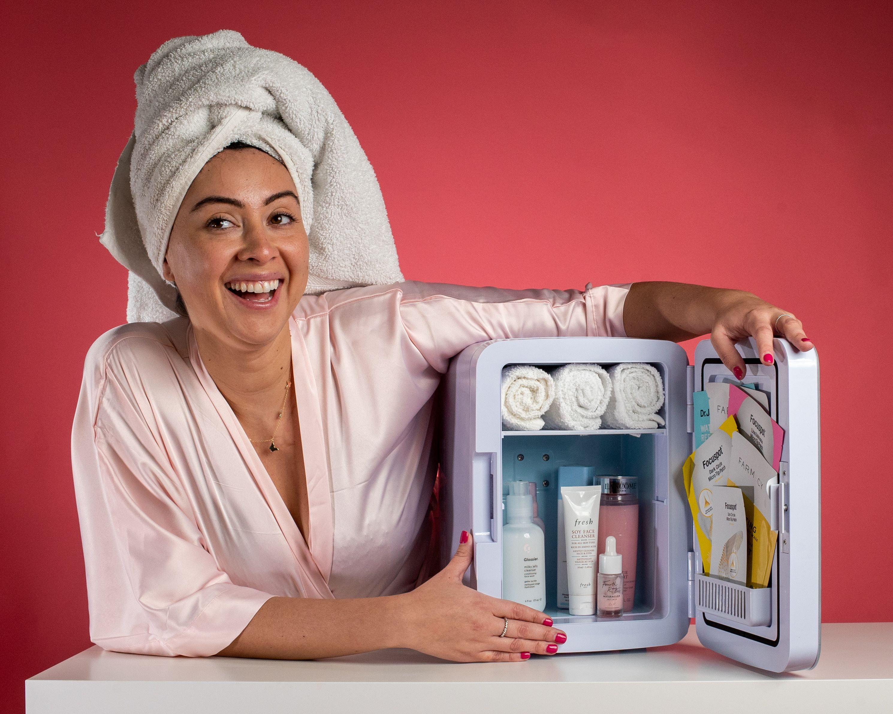 Skincare Makeup Beauty Fridge in 2020 Skin care, Beauty