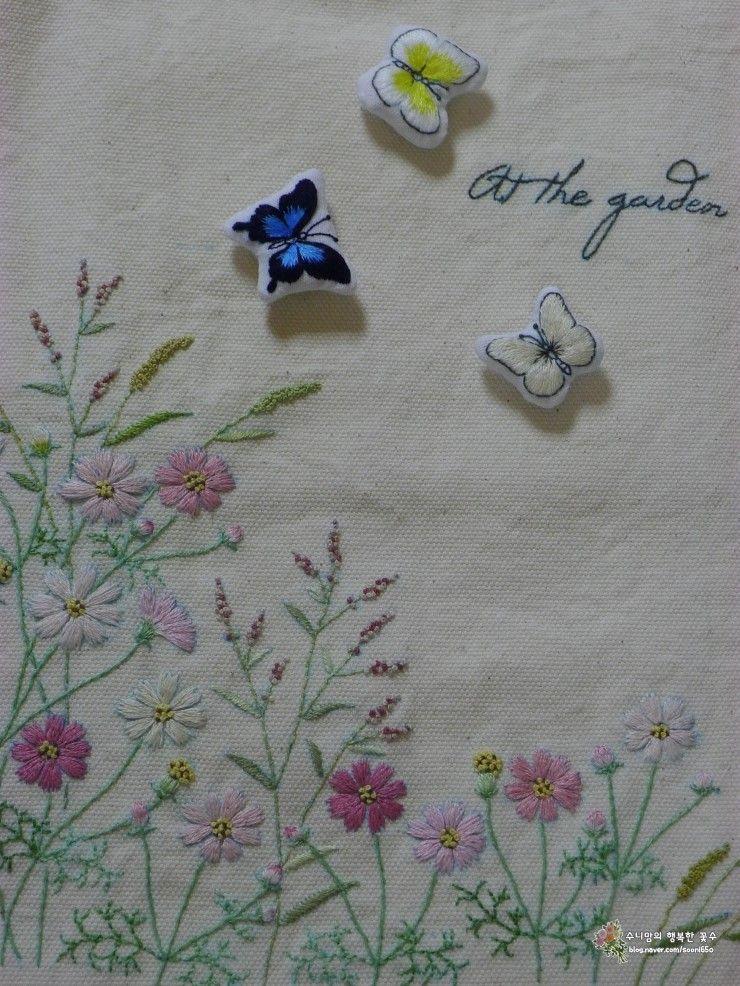 앙증맞은 나비 세마리 ... 나비자수♡ 꽃자수에 날아다니는 나비자수~^^ㅎ 팬지꽃에도~ 씀바귀꽃에도 개망...