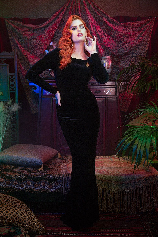 Laura byrnes california beatrix gown in black velvet black velvet