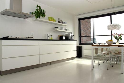 Greeploze Keuken Wit Mat : VT wonen binnenkijken, keuken plankjes Keukens