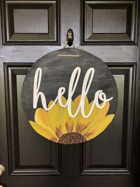 Hello Door Hanging Sign In 2020 Door Signs Diy Wooden Door Signs Round Wood Sign