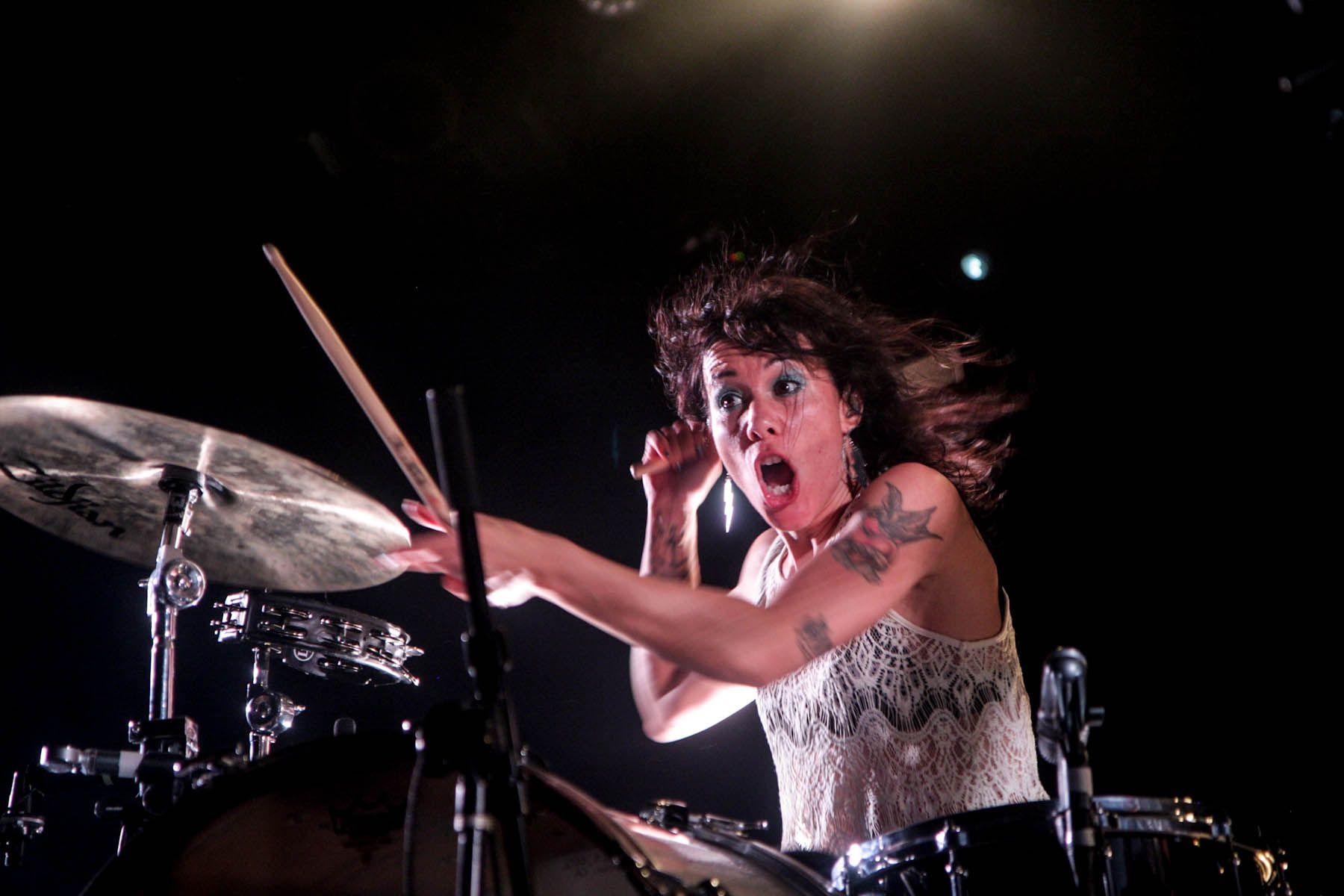 Dating Woman Drumking