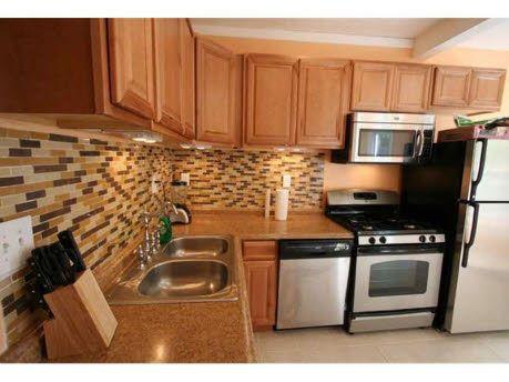 Most lovely kitchen.