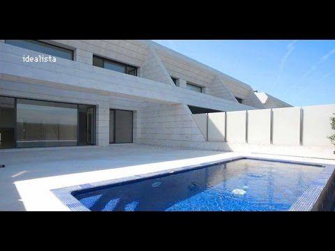 Luxhome Es La Primera Inmobiliaria De Madrid En Venta De Casas De Lujo En La Urbanizacion La Finca De Madrid Visitanos Finca Madrid Casas De Lujo Urbanizacion