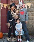 The Wizard of Oz - Halloween Costume Contest at Costume-Works.com #epouvantaildeguisement Wizard of Oz Family Costume - 2015 Halloween Costume Contest #epouvantaildeguisement