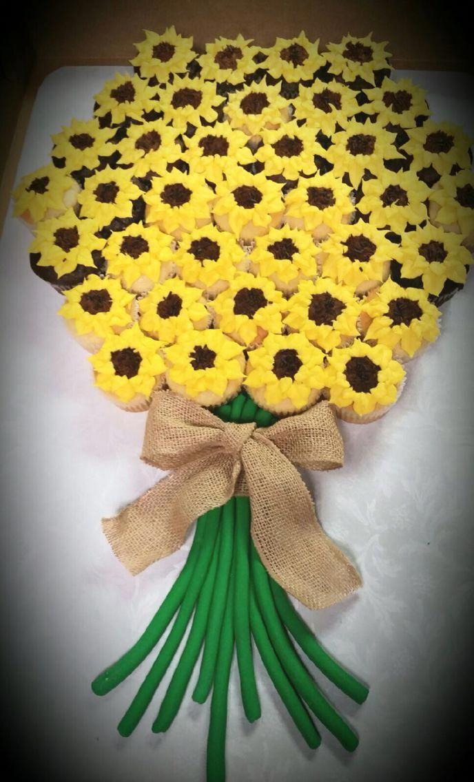 Sunflower cupcake bouquet #sunflowercupcakes