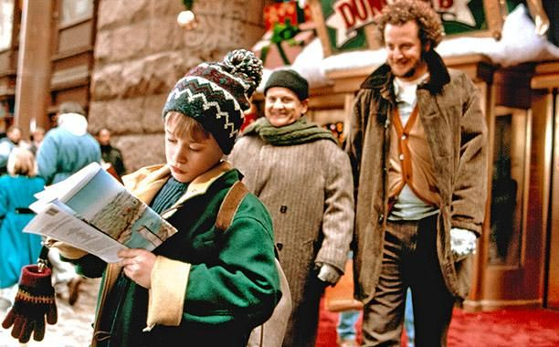 It S A Wonderful Life 7 Other Christmas Classics With Sequels Home Alone Home Alone Movie Best Christmas Movies