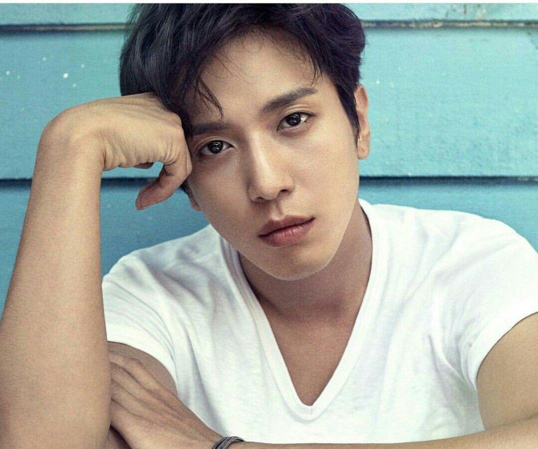 Yonghwa  solo album... Summer calling