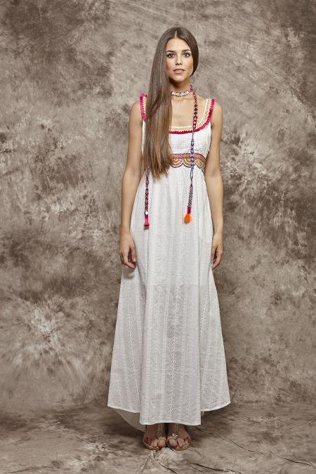 Vestido blanco con fucsia