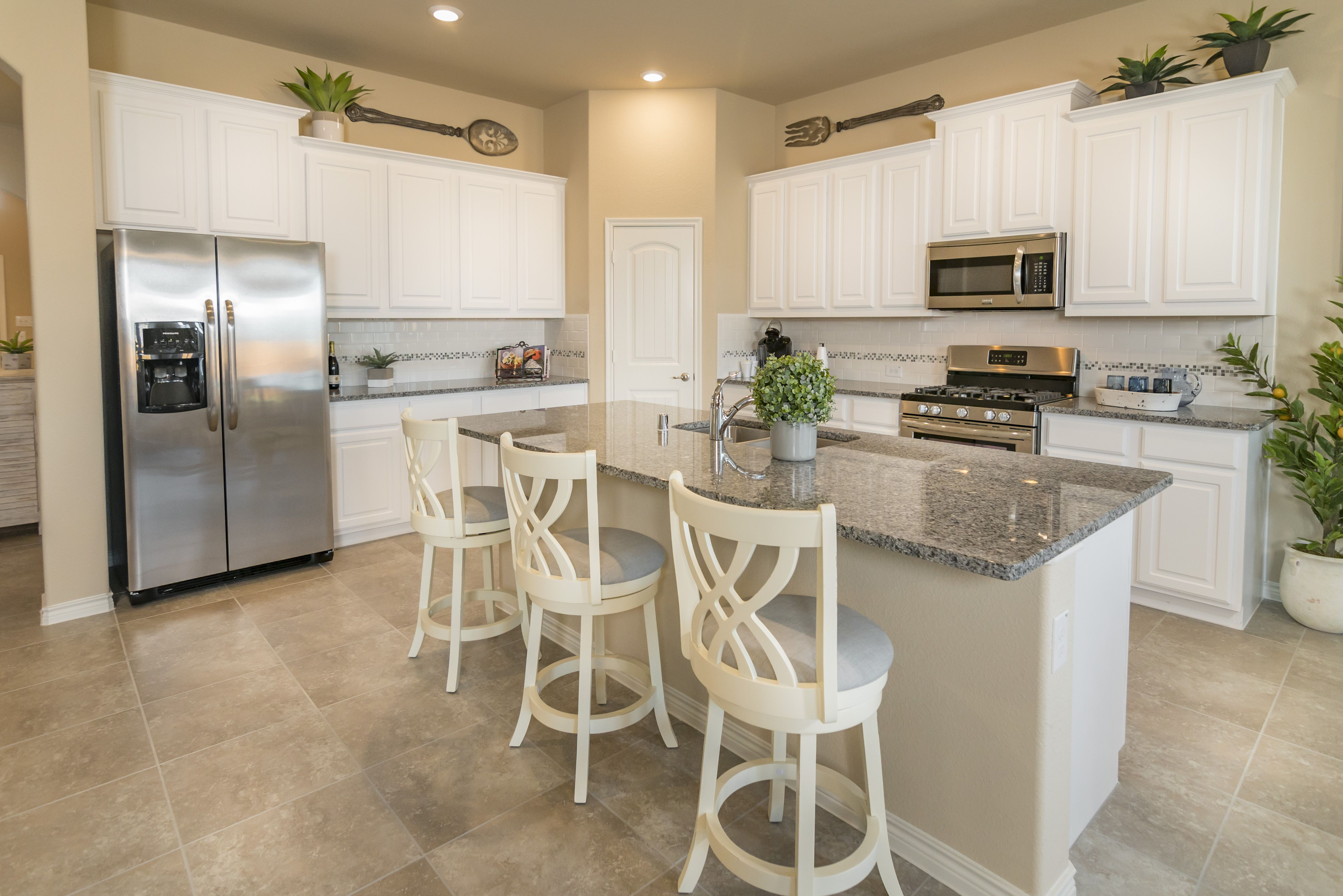 Open Concept Kitchen Dr Horton Model Home In Clements Ranch In Forney Tx Horton Homes Dr Horton Homes Home Kitchens