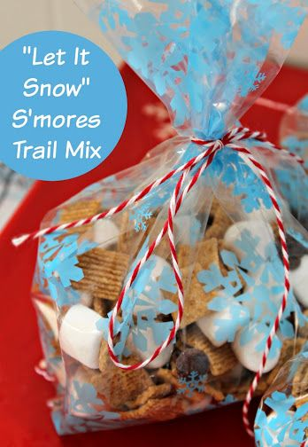 """""""Let It Snow"""" Smores Trail Mix Recipe – Views From the Ville"""