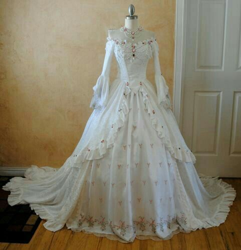 A Mix Of Modern With Victorian Style Wedding Dress Victorian Wedding Dress Fantasy Gowns Beautiful Dresses