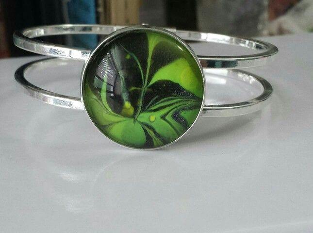 #handpainted #oneofakindjewelry#lovegreen#greenbracelet