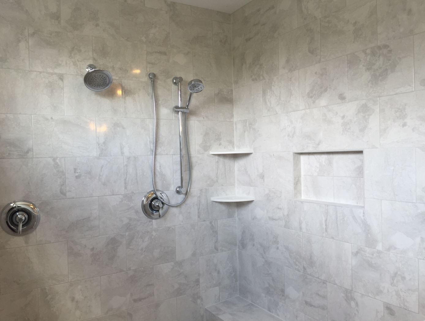 Wall Tile Marble Falls Ma40 10x14 White Waters Horizontal Brick Joint Master Shower Tile Tile Bathroom Marble Falls
