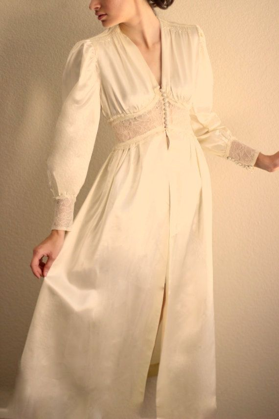 Vintage 40s Satin Dressing Gown. Chic Wedding Trousseau Dark Ivory Cream  Charmeuse 7c915c601