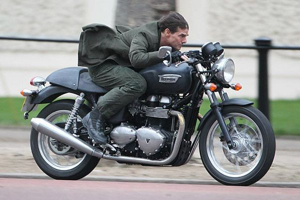 Tom Cruise On A Triumph Celebrities On Bikes Tom Cruise