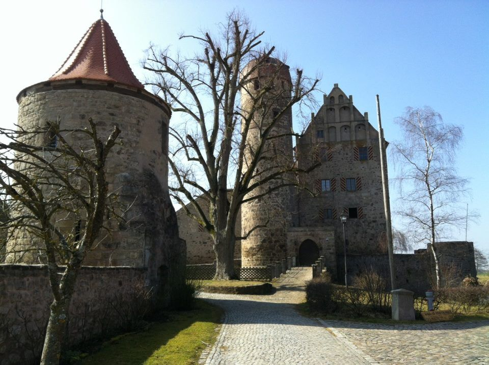 Schloss Sommersdorf 800 Year Old Castle In Germany Germany Castles Visit Germany Castle