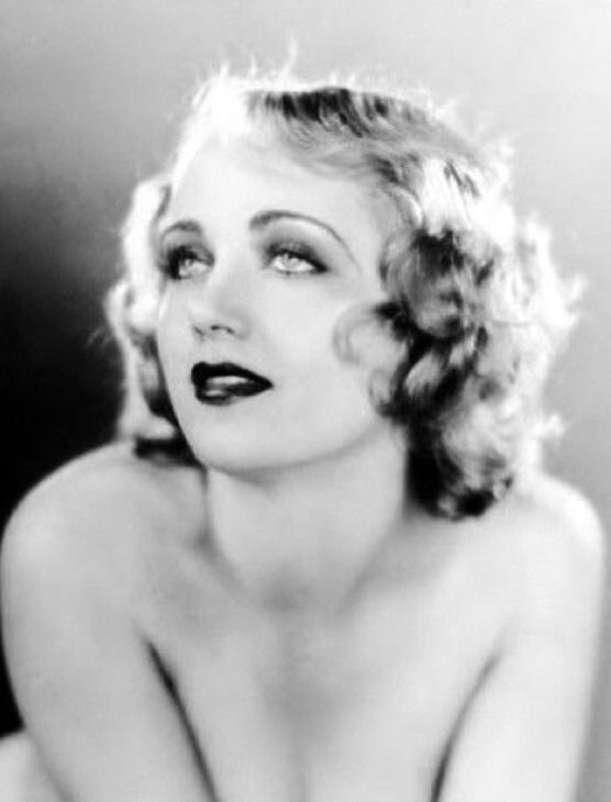 Golden Age Hollywood — Carole Lombard #hollywoodicons Golden Age Hollywood — Carole Lombard #hollywoodgoldenage