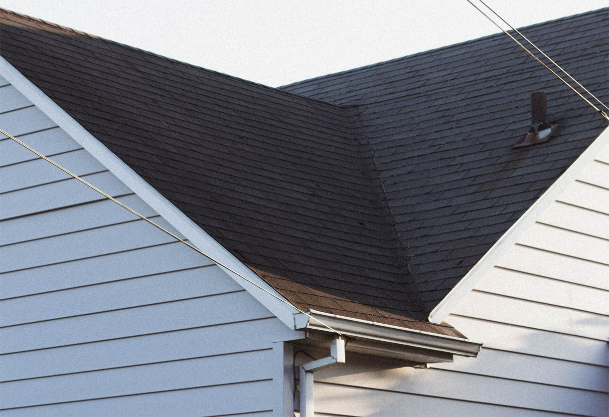 We Do Roof Repairs Using Updated Tools In The Hands Of Expert And Experienced Roofers In The Bronx Area Contact Us For Amazi In 2020 Roof Repair Roof Roof Maintenance