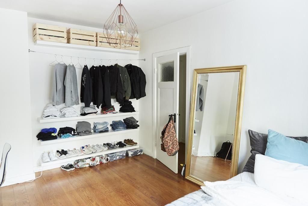 Kleiderschränke Hamburg aus regalbrettern und kisten bestehender offener kleiderschrank